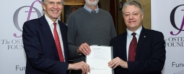 The official signing of stewardship with (From left to right) Maurice Hills, former Chairman of the Osteopathic Education Foundation, Doctor Jonathan Shapiro, new Chairman of the Osteopathic Foundation and Robin Lansman, President of the Institute of Osteopathy. The official signing of stewardship with (From left to right) Foundation and Robin Lansman, President of the Institute of Osteopathy.